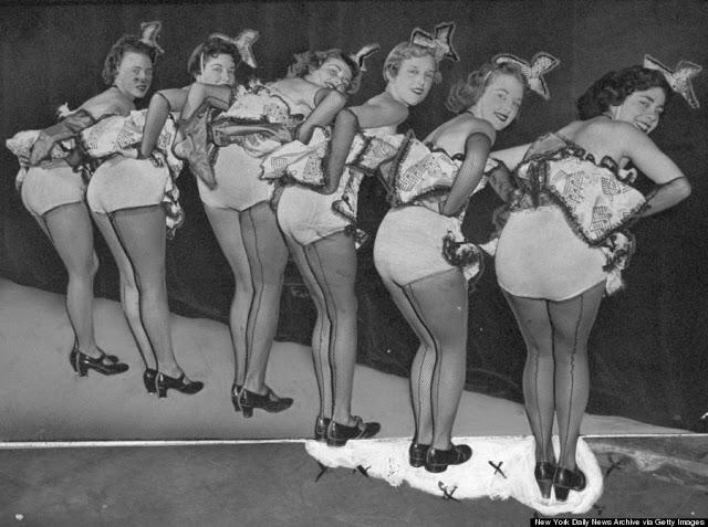 1950s-burlesque-dancers-20